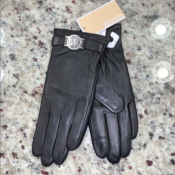 Michael Kors Accessories - Leather gloves